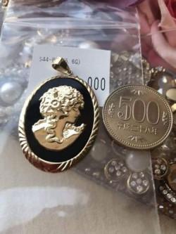 Oval Gold Lady Onyx Pendant